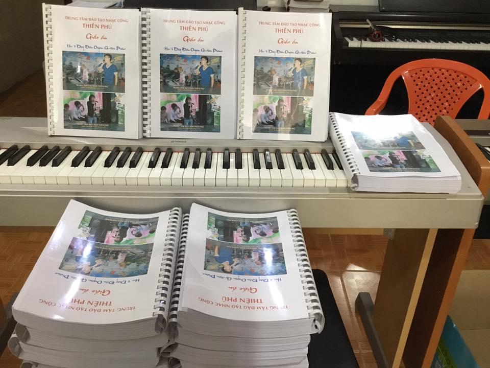 bán giáo trình dạy đàn organ nhạc công đám cưới