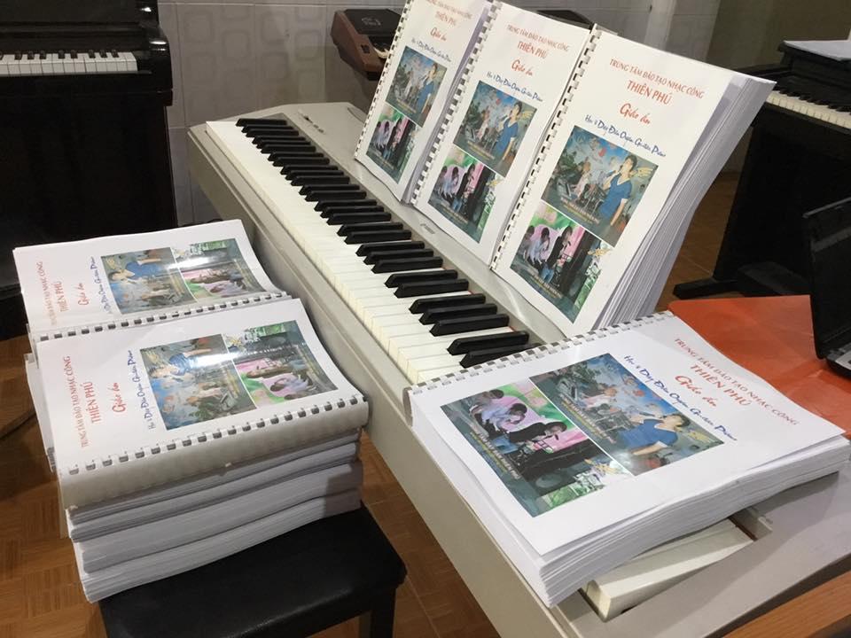 bán giáo trình sách dạy đàn organ nhạc công đám cưới trọn bộ